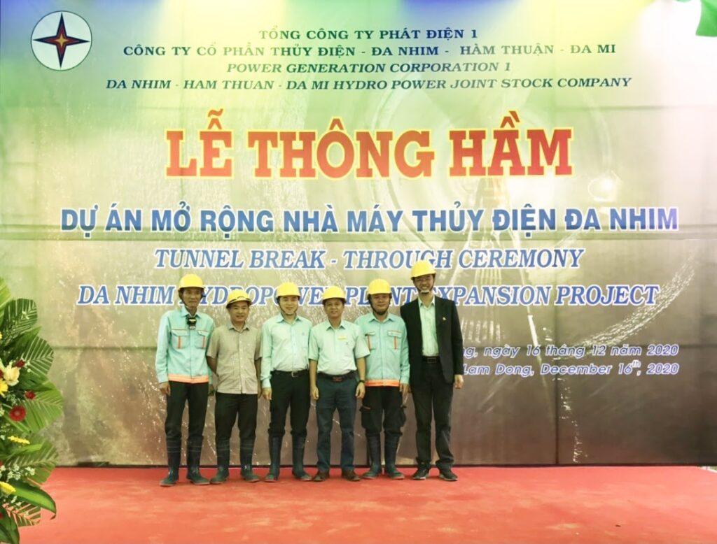 khong-khi-vui-tuoi-tai-le-thong-ham-so-2-du-an-mo-rong-nha-may-thuy-dien-da-nhim