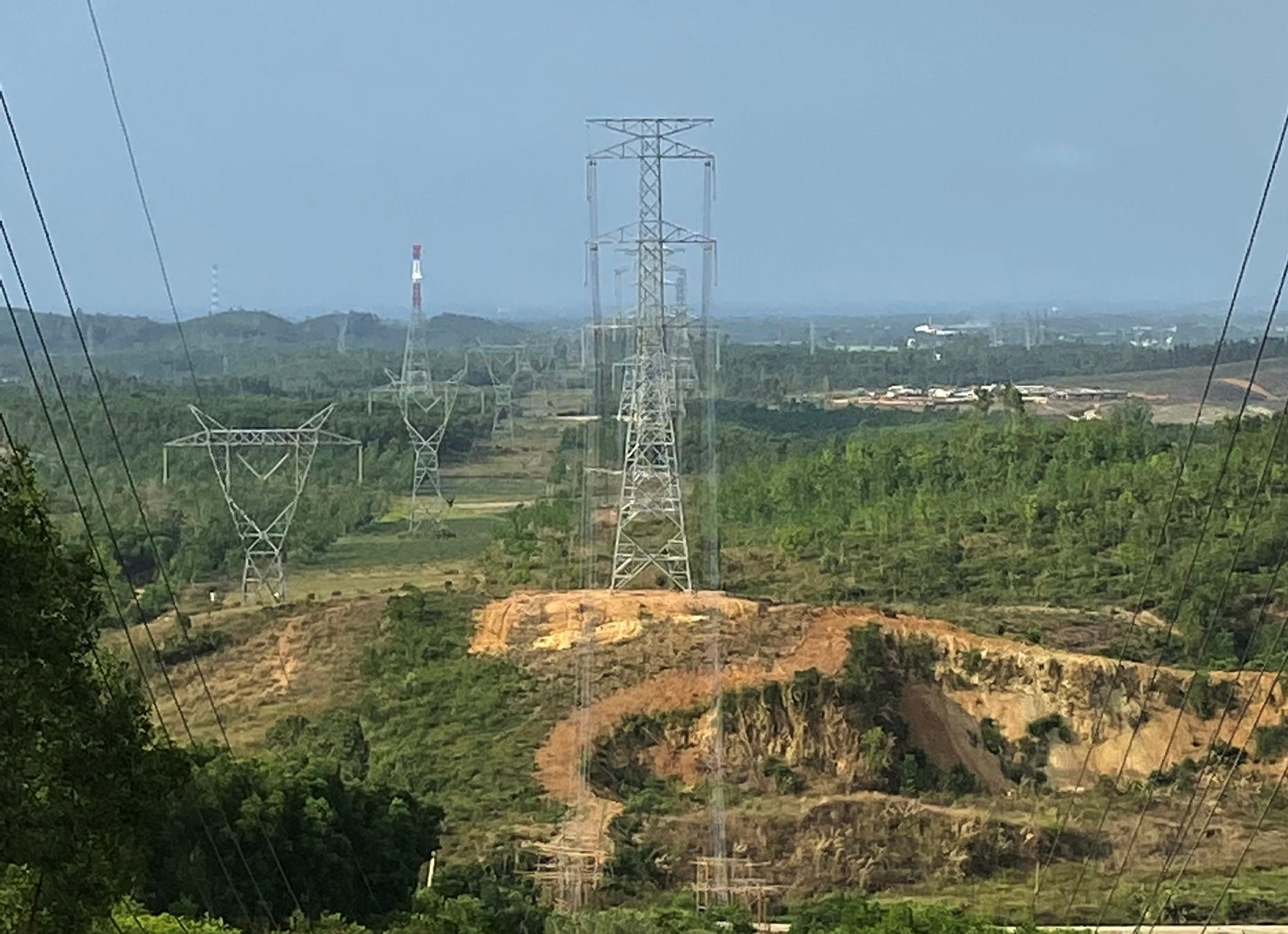 Đường dây 500 kV mạch 3 đoạn Dốc Sỏi - Pleiku 2 (Ảnh: EVNNPT)