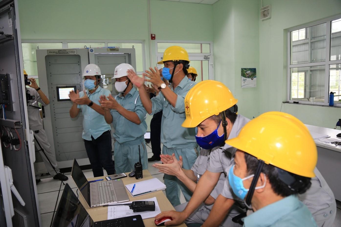 Khoảnh khắc Tổ máy H5 Đa Nhim hòa lưới thành công với công suất 80MW (Ảnh: CĐT)